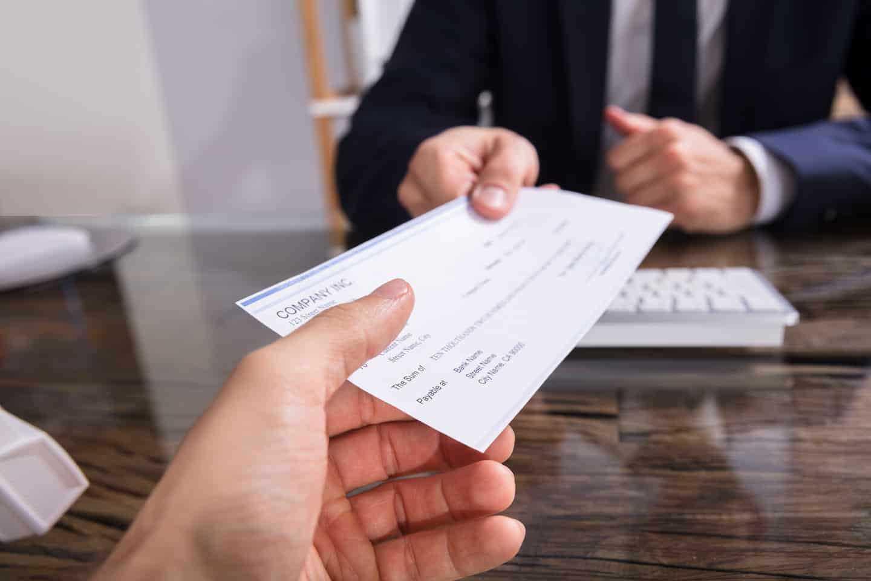 چک کیفری و تفاوت اصلی آن با چک حقوقی