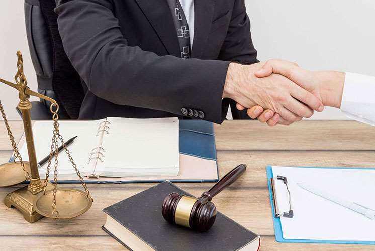 مشاوره حقوقی یک ضرورت زندگی اجتماعی است.