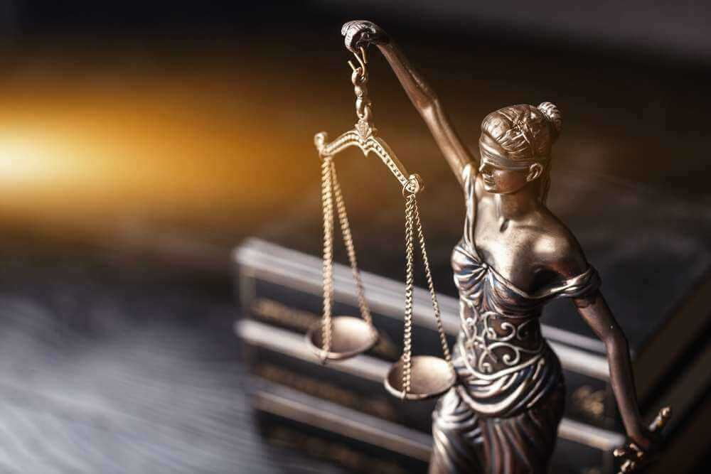 مشاوره حقوقی در چه اموری لازم است